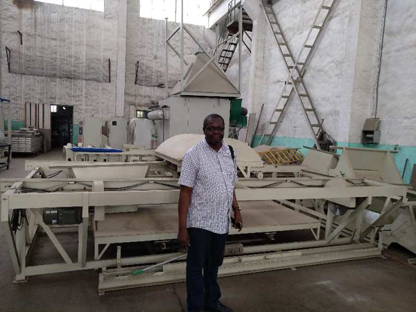 Kenyan customer to company to accept glass magnesium board equipment