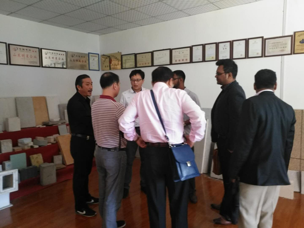 Bangladesh customers come to the company to inspect the glass magnesium board production line